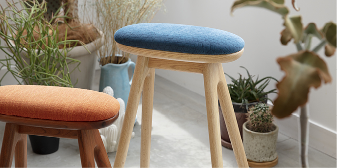coupé kitchen stool